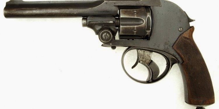 Antique Handguns in Canada