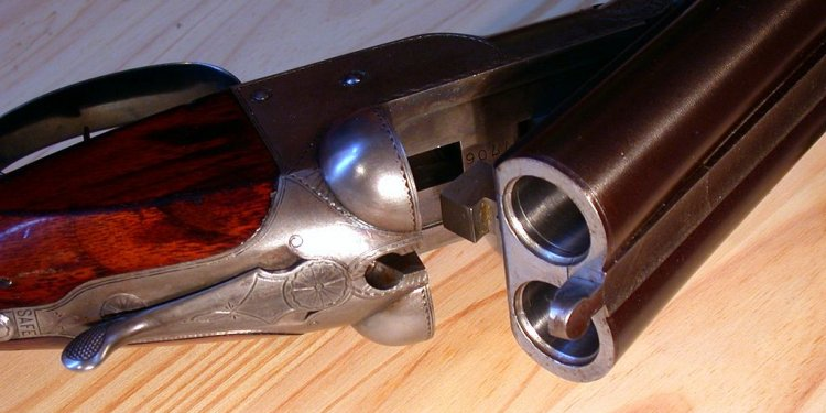 File:Colt Hammerless Shotgun