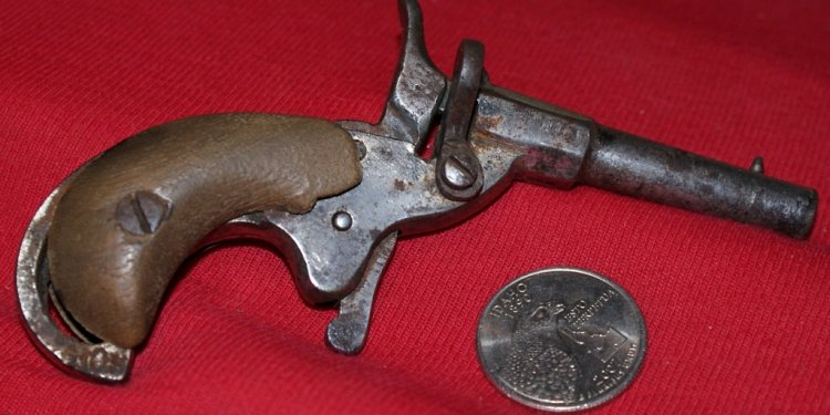 Very old derringer